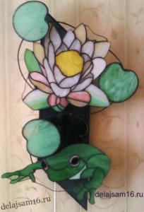 светильник витражный лягушка и лилия