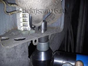 Как просверлить отверстие большого диаметра в металле